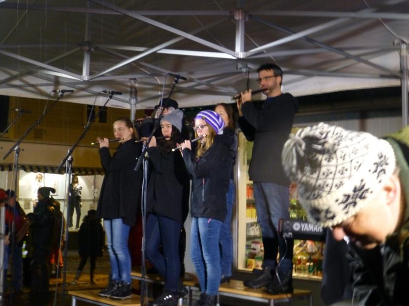 ..og fløytistene, med fløyter etter en 200 år gammel modell