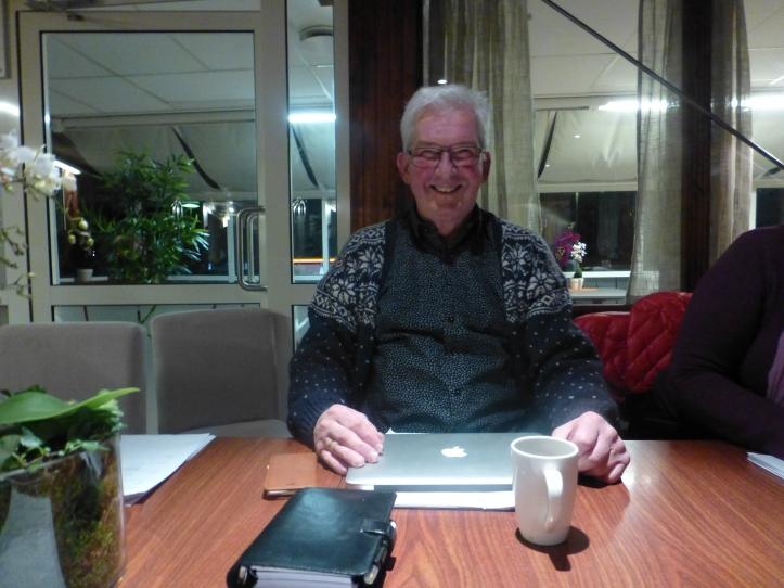 Den nye lederen, Rolf Anker Thon