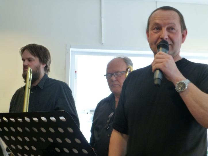 Arne formann, nå også med mikrofon.