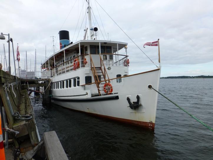 Lunsjbåt på fjorden: Sagafjord