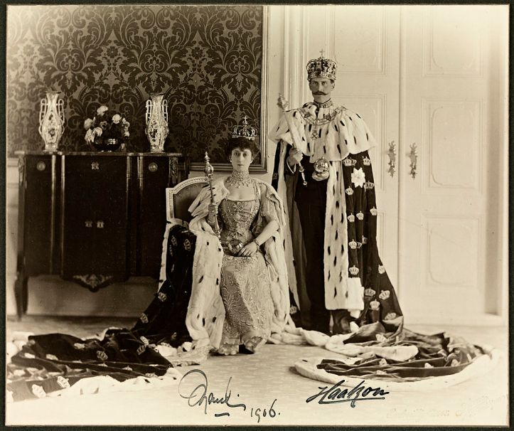 1024px-Queen_Maud_and_King_Haakon_VII,_1906